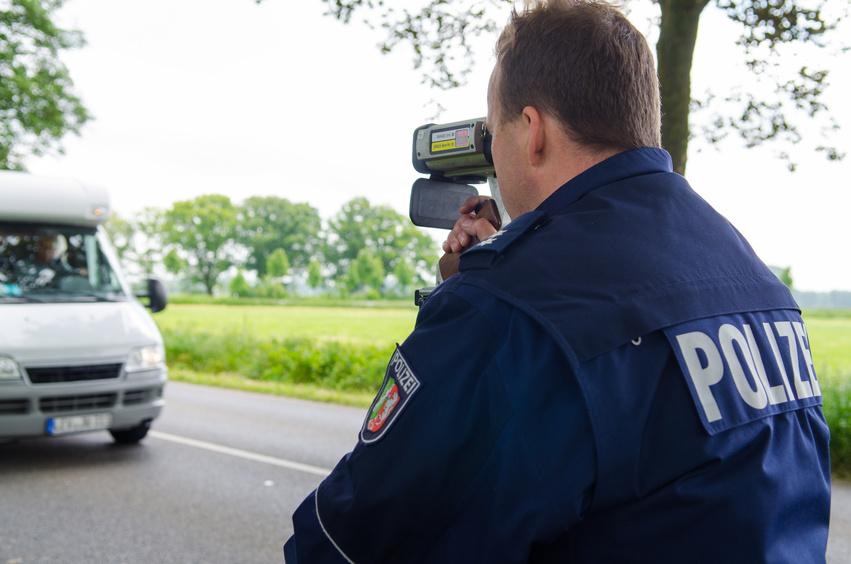 Polizist lasert bei Blitzmarathon